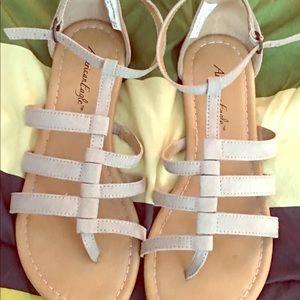 Tan sandals 👡